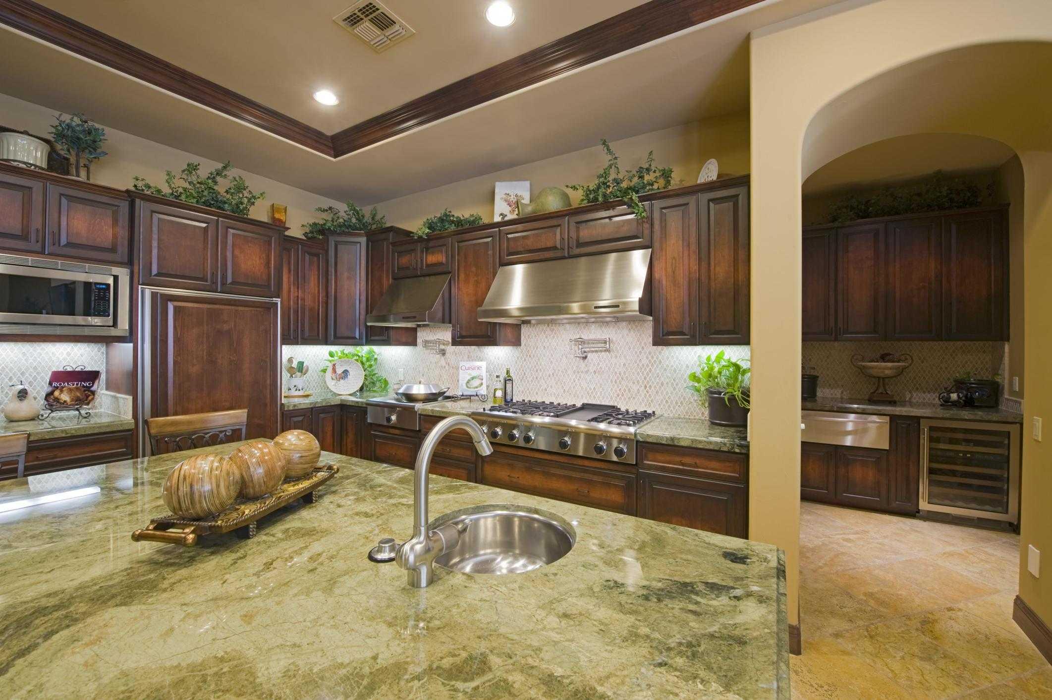 Hamilton Kitchen Renovations - Kitchen Cabinets 2
